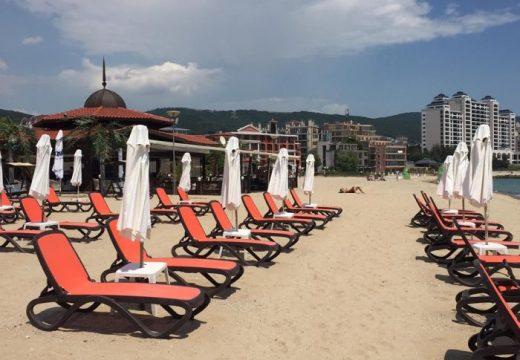 Слънчев бряг подготви плажната си ивица за първите туристи