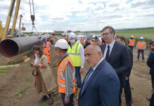 """Строителството на """"Балкански поток"""" и АМ """"Европа"""" върви по план"""
