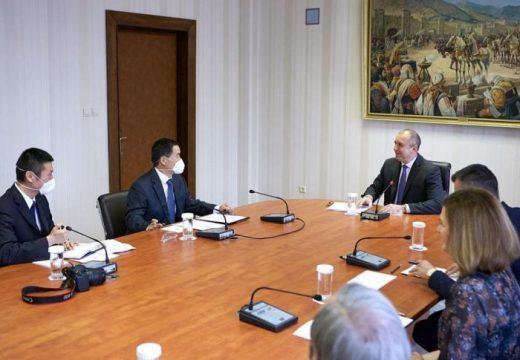 Президентът Румен Радев договори изграждането на българо-китайски център за иновации в София