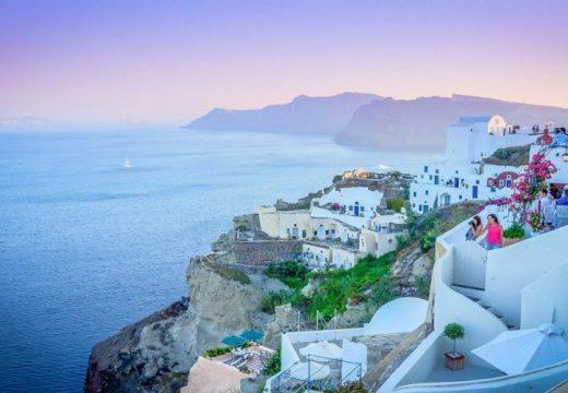 Чуждестранните граждани ще попълват онлайн формуляр преди пристигането си в Гърция от 1 юли