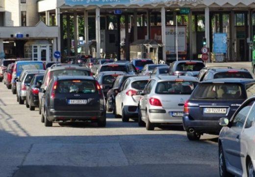 Гърция затяга мерките по сухопътните си граници