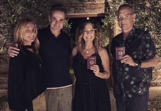 Том Ханкс и Рита Уилсън официално станаха гръцки граждани