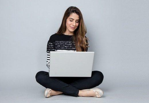 МОН предлага онлайн кандидатстване за българи от чужбина