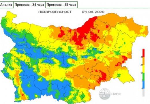 Екстремален индекс за пожароопасност е в сила за териториите на 10 области на страната
