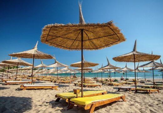 Огромен спад на чуждестранните туристите през летния сезон