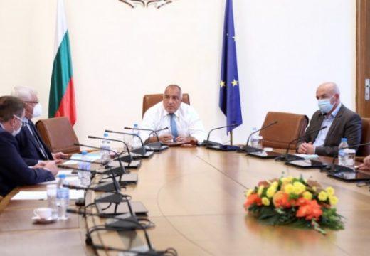 Борисов връща седмичните брифинги