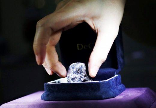 Рядък 102-каратов диамант продаден за 15,7 млн. долара