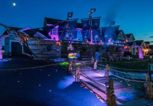 Баща построи си 50-метров пиратски кораб за Хелоуин за децата си
