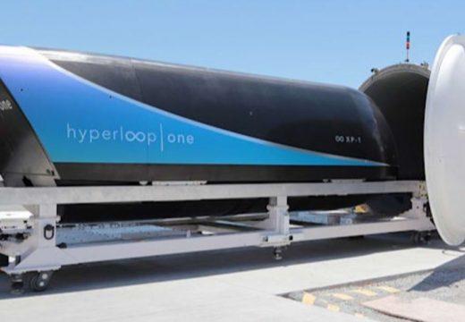 """Първо пътническо пътуване със свръхскоростната капсула """"Virgin Hyperloop"""""""