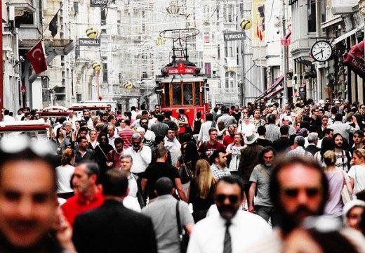 Турция обяви по-строги мерки срещу пандемията от COVID-19