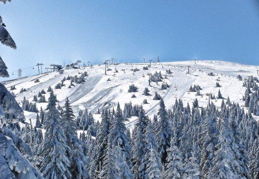 Сърбия отвори ски курортите, греяно вино се пие само в движение
