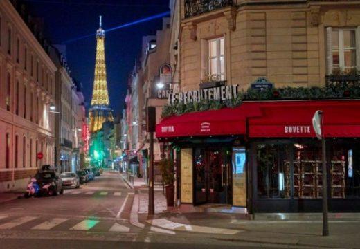 Франция върна вечерния час и се отказва от облекчения на рестрикциите