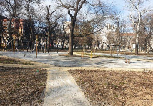 Напредва ремонтът на Стационната градина в Стара Загора