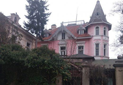 Един разказ за съдбата, пътя на розата и Шипковата къща