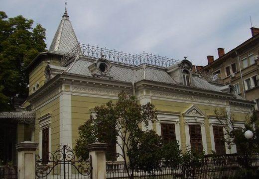 Къщата на банкера Стефан Симеонов се руши. От години търсят финансиране за цялостния й ремонт