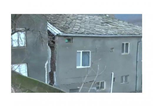 Свлачище разцепи къща в Кирково. Проектът за укрепването чака от 2016 г.