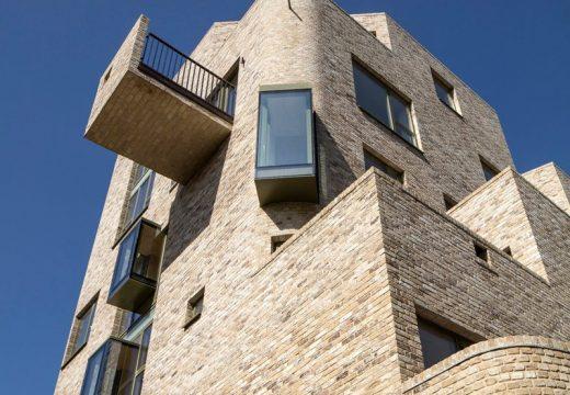 Десет жилищни проекта със смели балкони