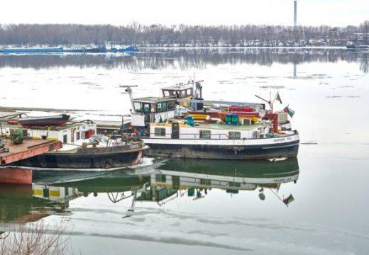 Строят на концесия пристанищен терминал със зимовник в Русе