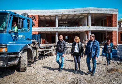 Строят 16 детски градини в София