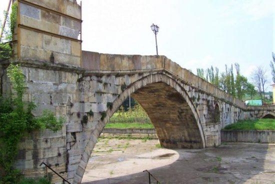 Гърбавият мост, строен през 16 век, ще бъде реставриран