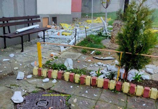 Срути се тераса на 14-я етаж, едва не уби жена